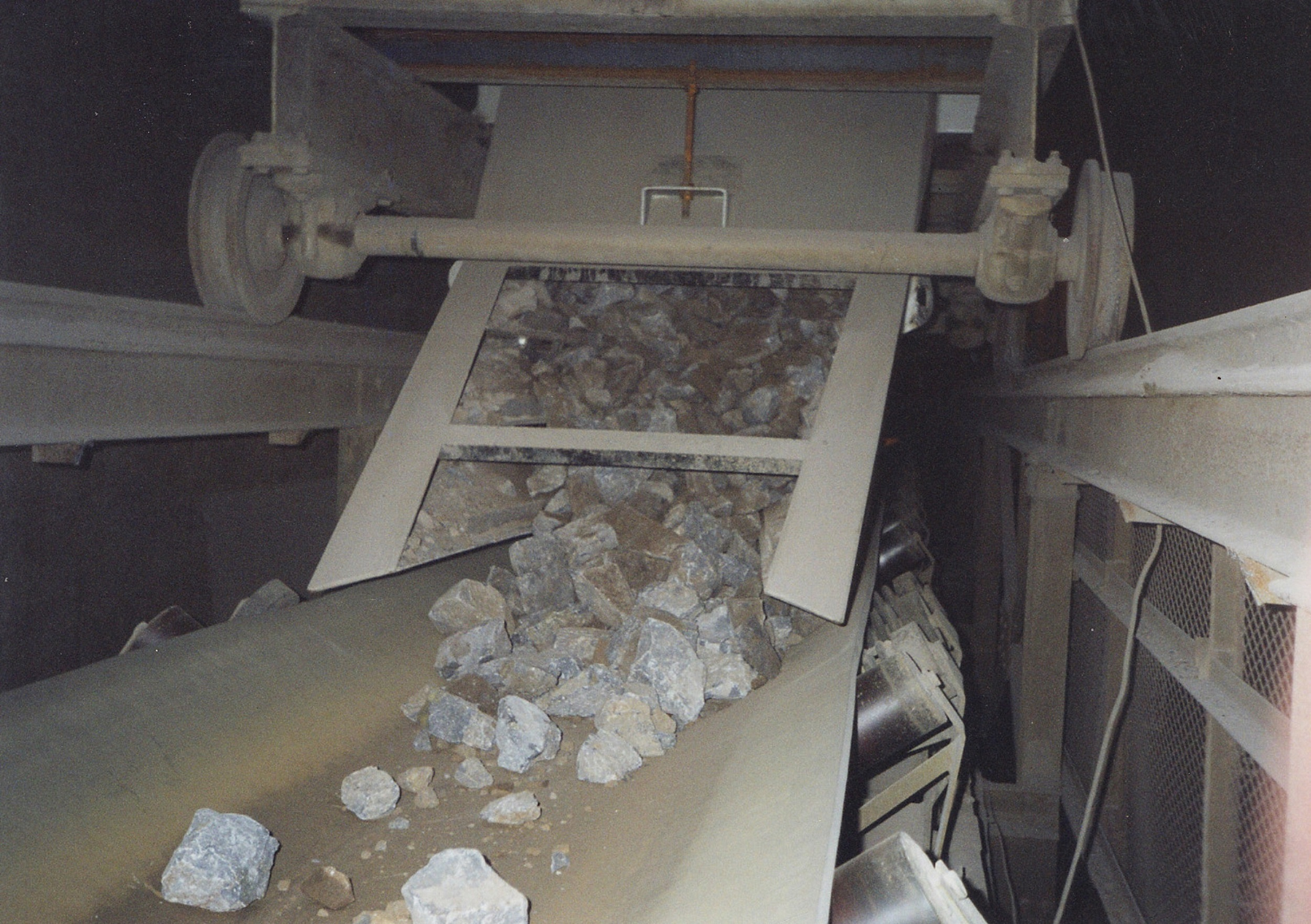 Chute system cuts minerals processing maintenance costs