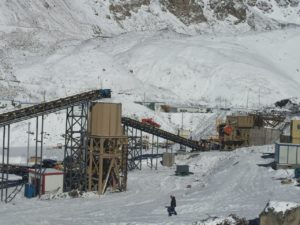 The modular plant comprises comprises a primary Osborn jaw crusher, secondary cone crusher, screen and tertiary cone crusher